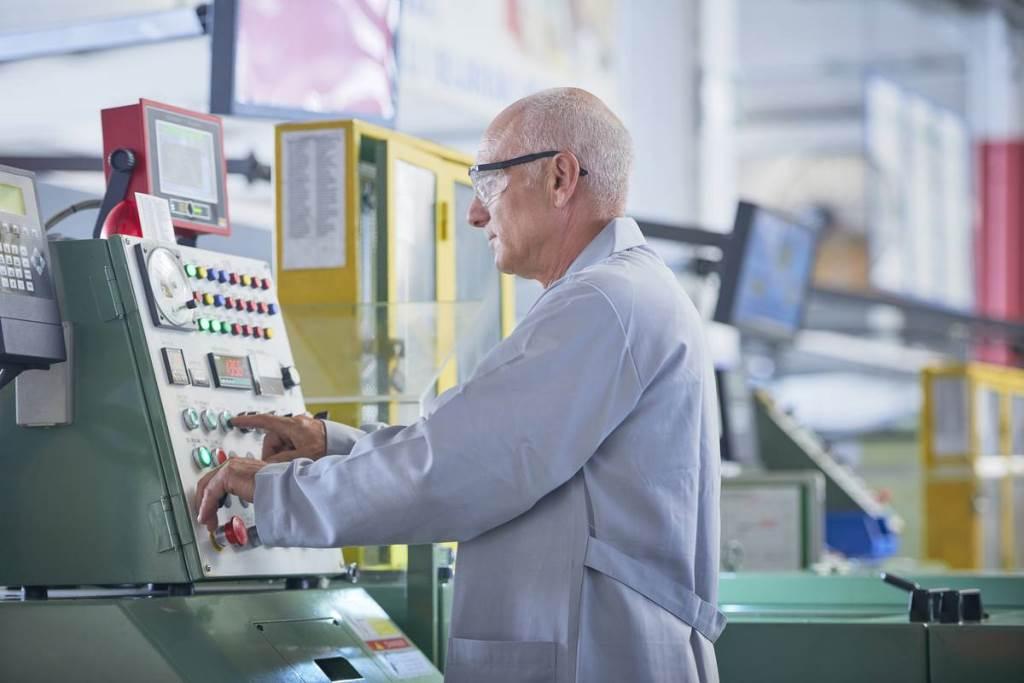 Списки работников в пфр предпенсионного возраста получить справку с работы для оформления пенсии
